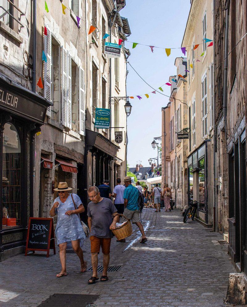 Quartier-des-arts-Blois-41-Loir-et-Cher-rue-Saint-Lubin2-credit-Louis-Defer