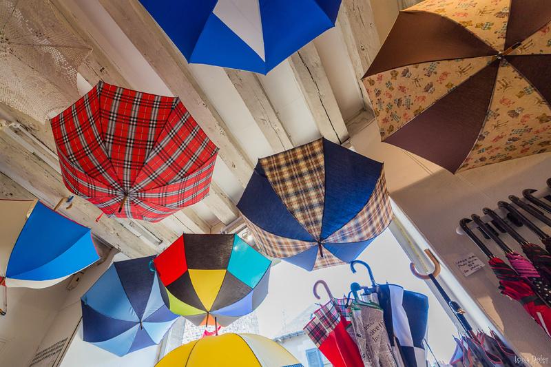 Maison-des-parapluies-Blois-demonstration