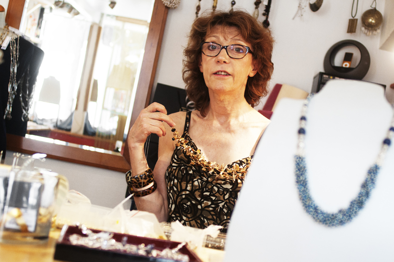 Quartier-des-Arts-Blois-Natalie-Beauhaire-creatrice-bijoux-portrait